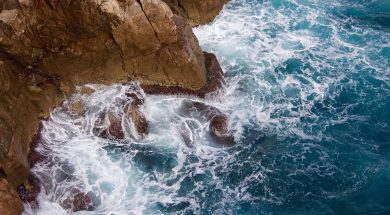 waves crashing into rock-2