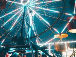 Ferris-wheel-at-a-fair-2.jpg