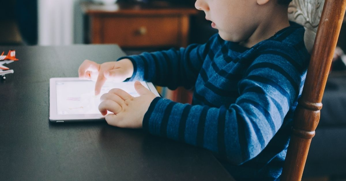 3 Simple Tips for Managing Screen Time for the Whole Family