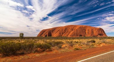 uluru-ayer-rock-photoholgic-unsplash.jpg